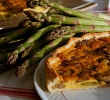 Tarte aux asperges et champignons