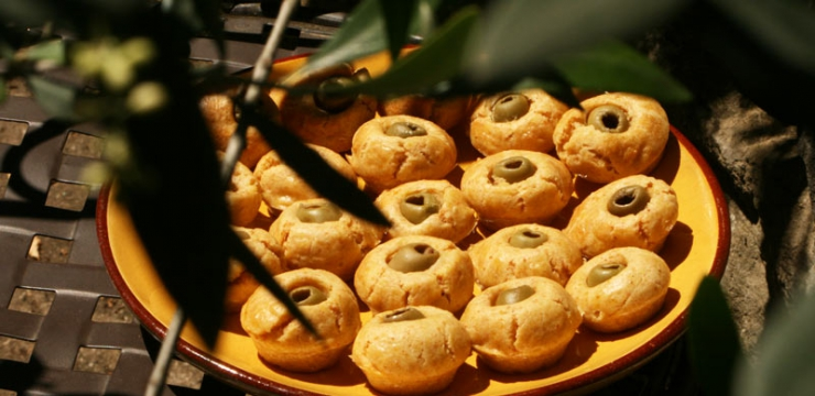 Bouchées au curry et olives