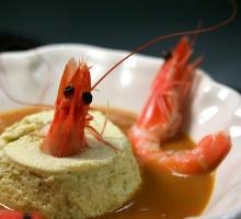 Flan d'asperges à la bisque de homard